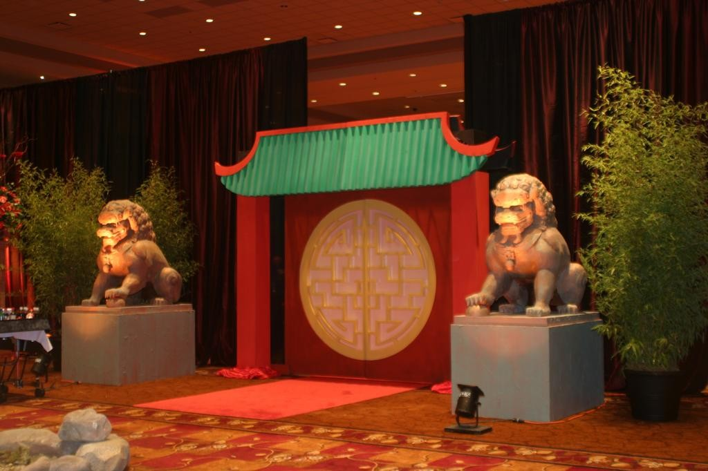 oriental-theme-party-schoolball-decorations