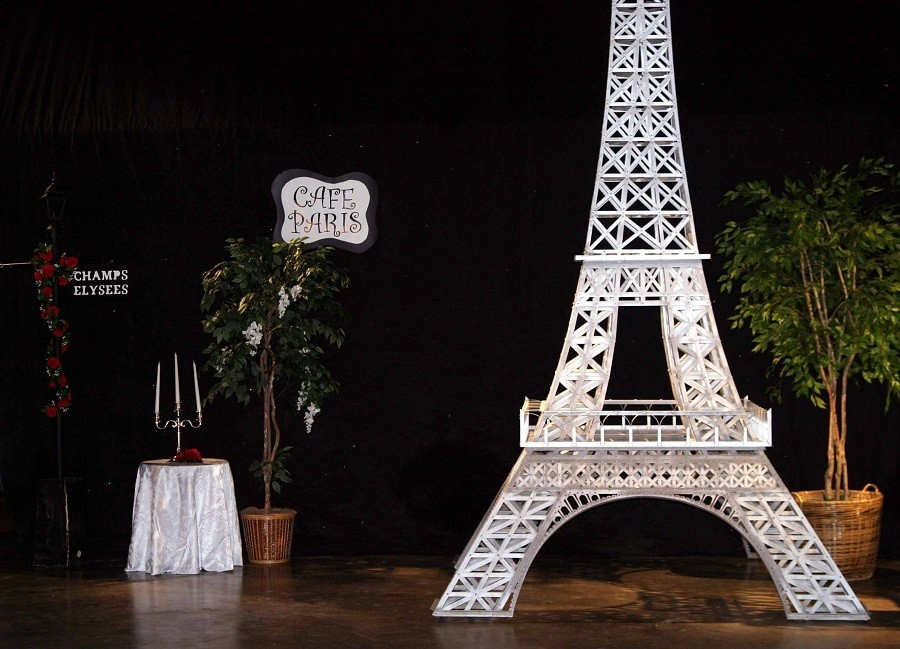 paris-themed-schoolball-prom-decorations