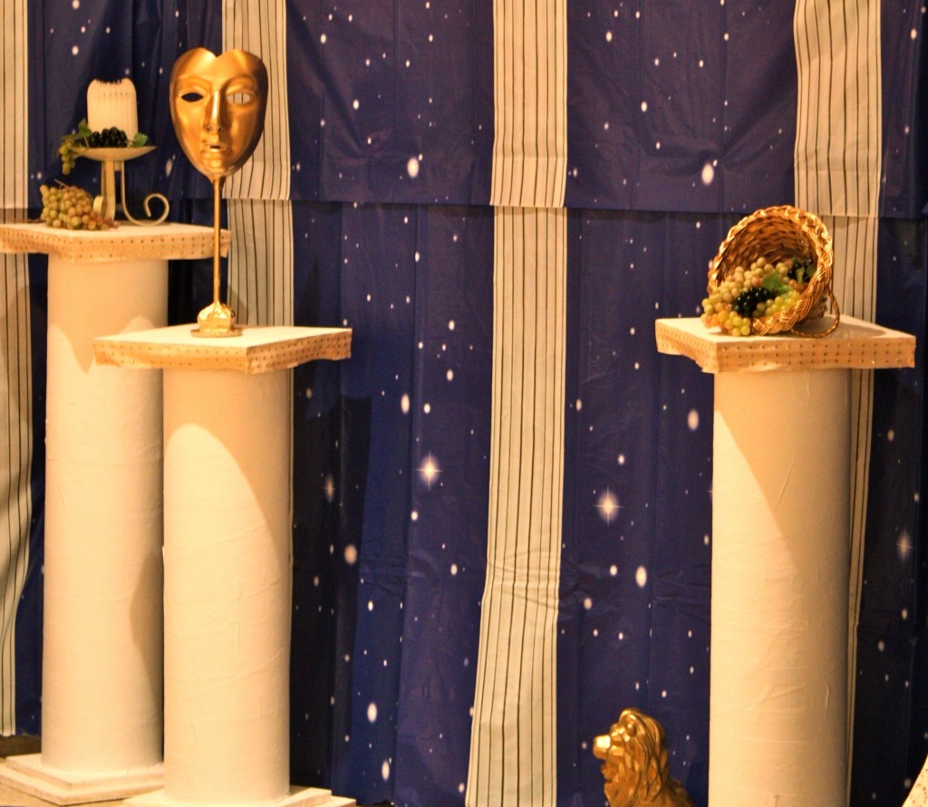 roman-theme-party-decoration