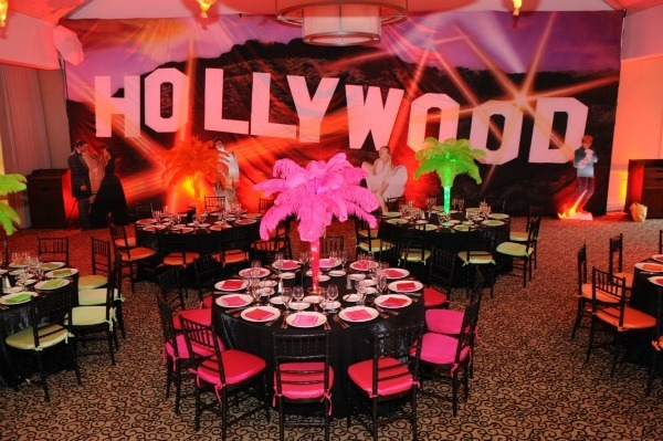 hollywood-themed-party-decorations-schoolball