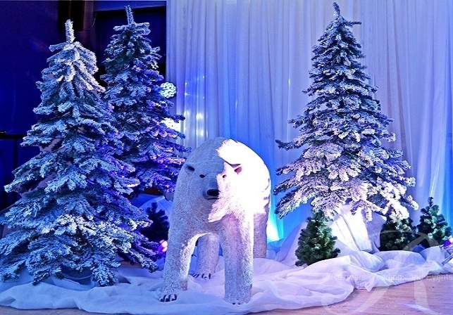 winter-wonderland-theme-polar-bear-schoolball-decorations